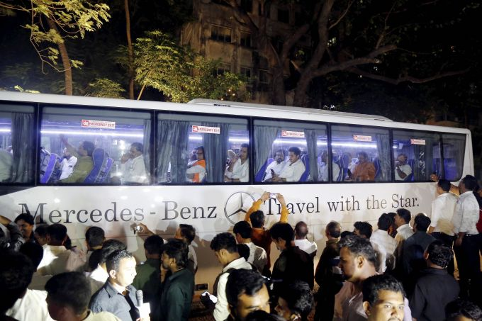 News In Photos (23 November 2019) | Photos Of Top News Today - Oneindia Gallery