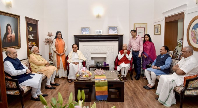Political Leaders Wishes LK Advani For His 92nd Birthday