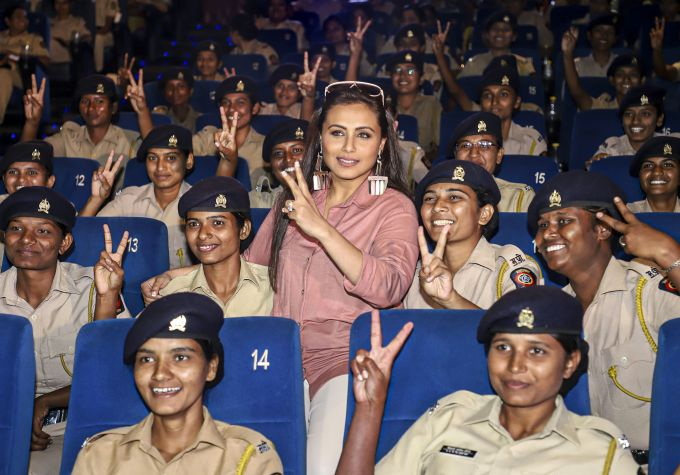 News In Photos (11 December 2019) | Photos Of Top News Today - Oneindia Gallery