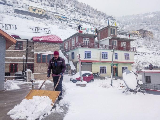 Heavy Snowfall In Jammu & Kashmir, Himachal Pradesh And Uttarakhand