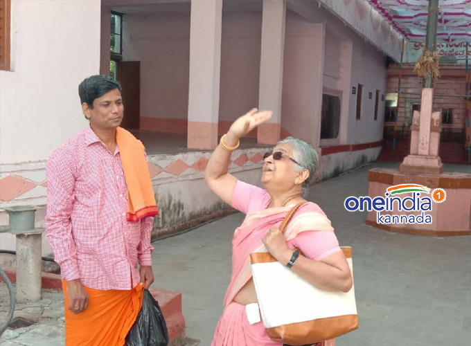 Infosys Foundation Chairperson Sudha Murthy Visited Jamakhandi Weekly Sante