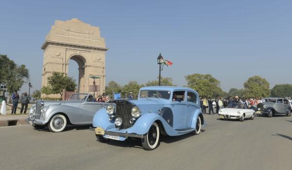 21 Gun Salute International Vintage Car Rally In New Delhi
