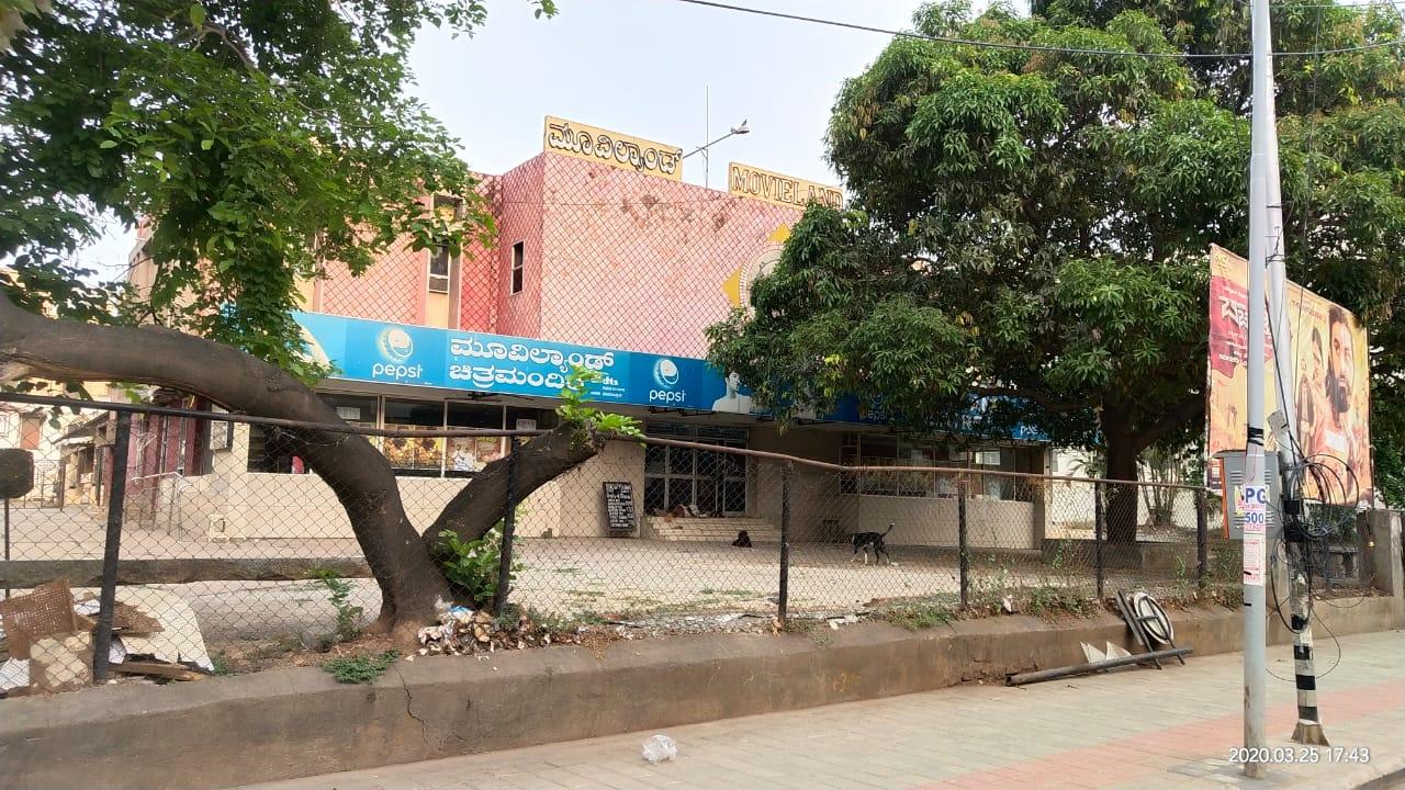 ಕೊರೊನಾ ಮುನ್ನೆಚ್ಚರಿಕೆ: ಬಿಕೋ ಎನ್ನುತ್ತಿರುವ ಬೆಂಗಳೂರಿನ ಹೃದಯ ಭಾಗ (ಮಾರ್ಚ್ 25)