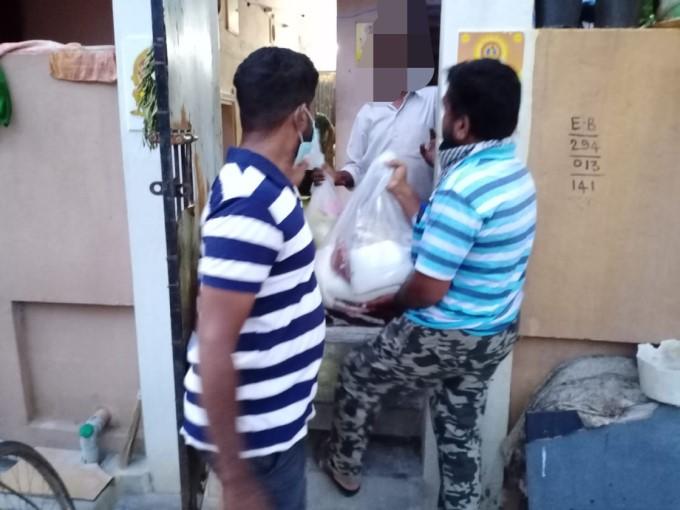 கொரோனா லாக்டவுன் - மக்களுக்கு உதவும் நல் உள்ளங்கள்