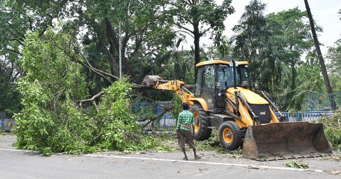 Effect Of Cyclone Amphan In West Bengal And Odisha