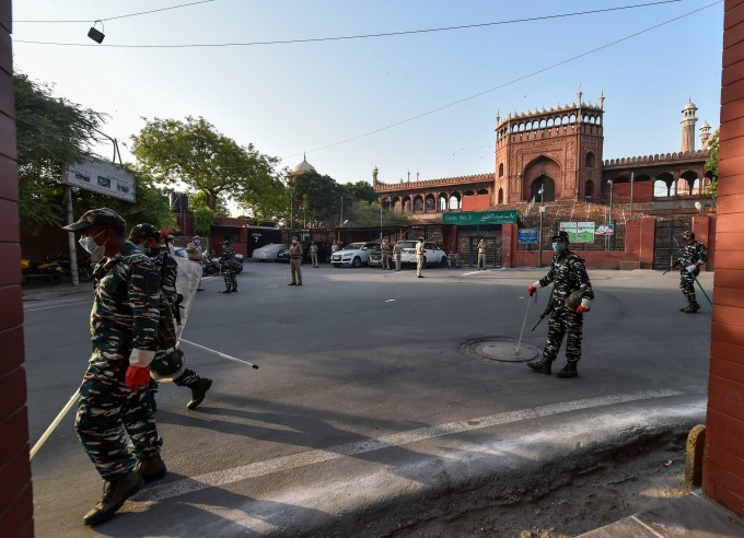 Deserted Visuals Of Masjid Across The India On The Eve Of Eid-al-Fitr