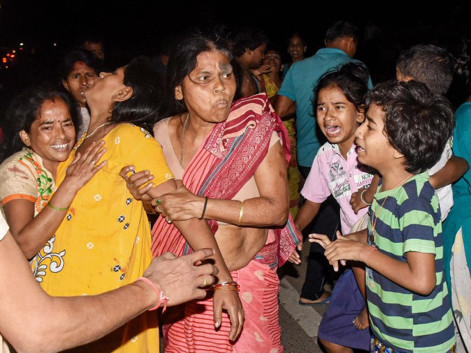 3 Children Died After A Concrete Slab Fell On Them In Patna