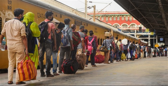Special Train For Migrants From Howrah Station In Kolkata