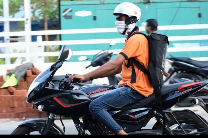 Swiggy Sack Its 1100 Staff In India