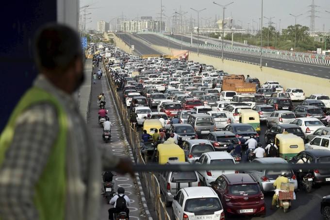 Lockdown 4.0 Massive Traffic Jam In Delhi After Lockdown Ease