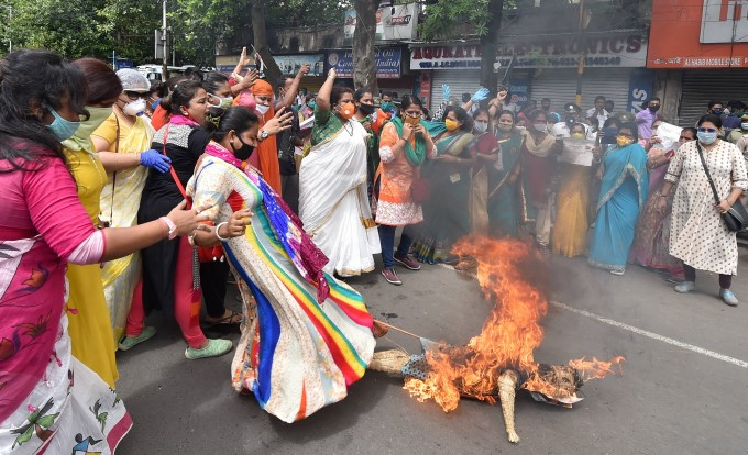 People Protesting Against China Across India