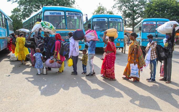 രാജ്യവ്യാപകമായി പ്രവർത്തനം പുനരാരംഭിച്ച് ഇന്ത്യൻ റെയിൽവെ