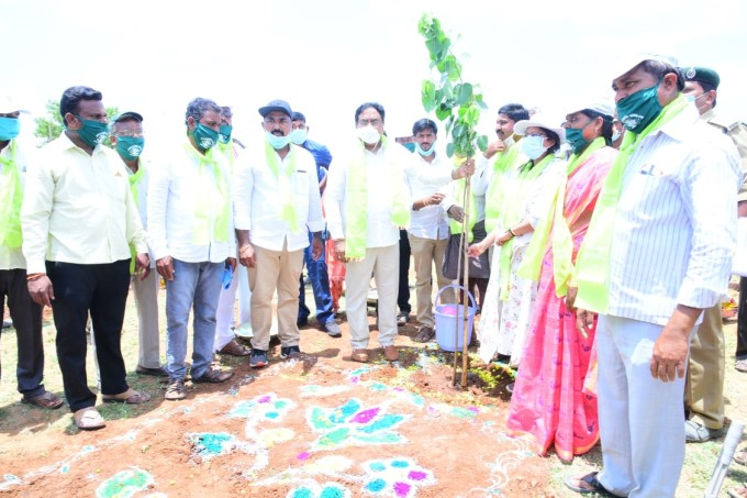 Minister For PR & RD Errabelli Dayakar Rao Participated In 6th Phase Telangana Ku Haritha Haram In Palakurthy Constituency