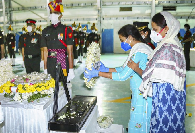 Telangana Governor And Others Pays Tribute To Martyr Colonel Santosh Babu
