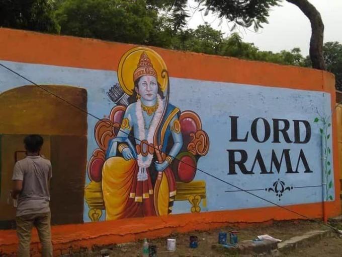 राम मंदिर के भूमि पूजन से पहले पीली हुई अयोध्या