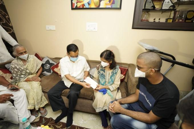 CM Arvind Kejriwal Visits The Family Members Of Late Dr. Aseem Gupta