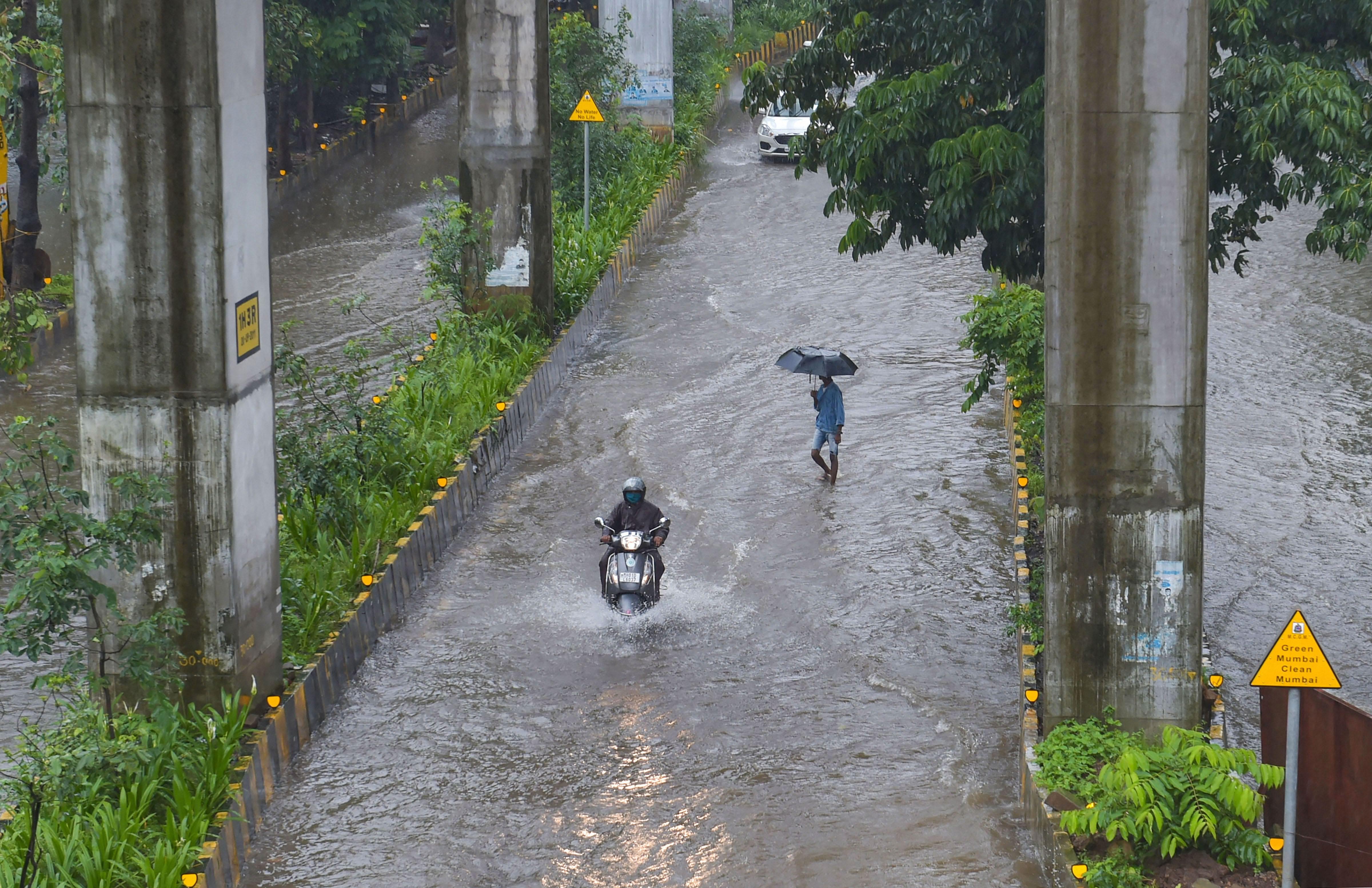 Heavy Rain Lashes Mumbai