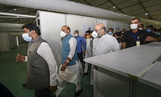 HM Amit Shah & Defence Minister Rajnath Singh Visits DRDO Built India's Largest COVID Center