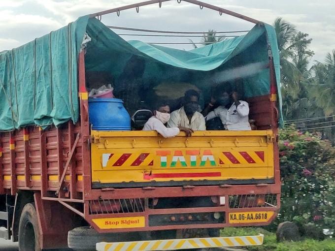People Leaving Bengaluru Ahead Of One Week Lockdown