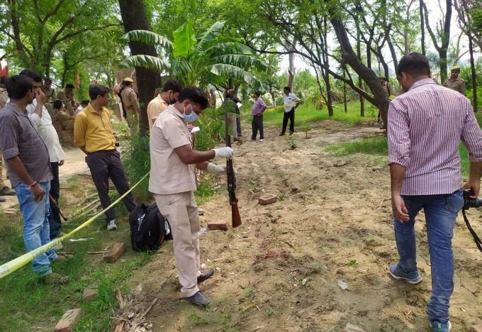 Eight Policemen Killed, 6 Injured During A Raid In Kanpur