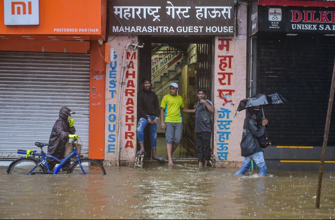 News In Photos (4 July 2020) | Photos Of Top News Today - Oneindia Gallery