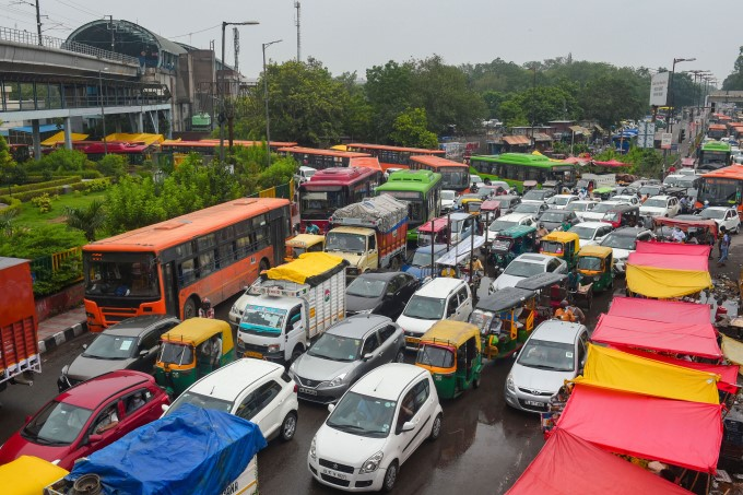 Heavy Traffic Jam In Delhi