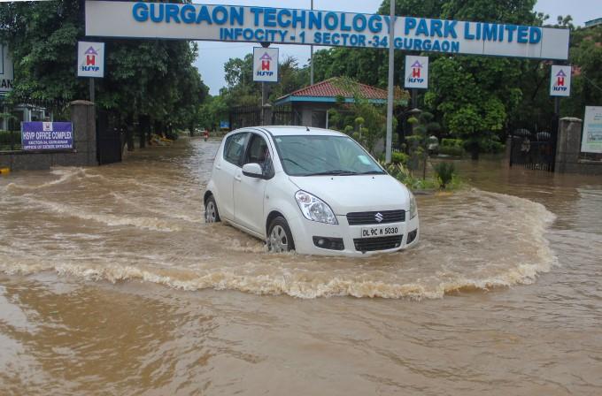 Heavy Rain Lashes In Haryana