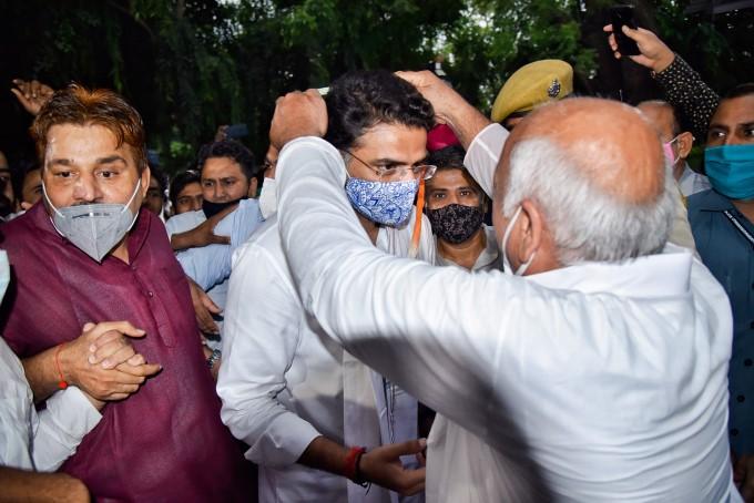 कांग्रेस में घर वापसी के बाद जयपुर लौटे सचिन पायलट