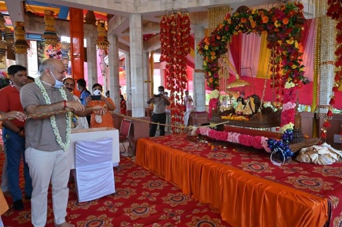 Delhi's Dy CM Manish Sisodia Visited The ISKCON Temple On Krishna Janmashtami