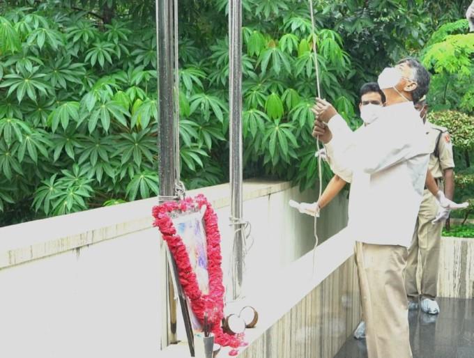 Former AP CM N Chandrababu Naidu Celebrate Independence Day In Amaravati