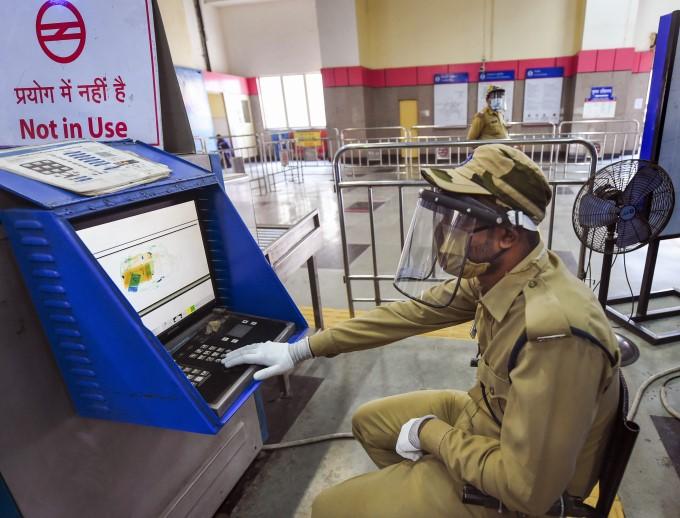 Delhi Metro Service Resumes In Delhi