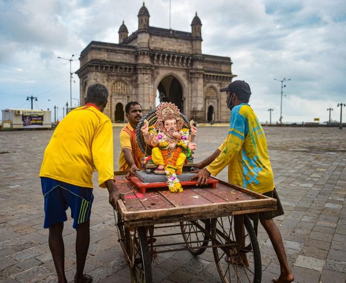 ఫోటోలు: దేశవ్యాప్తంగా గణేష్ నిమజ్జనం