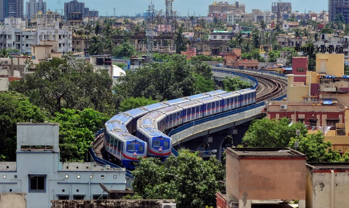 Kolkata Metro Resumes Operation Almost After Six Months