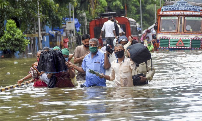 Heavy Rain Lashes Mumbai 2020
