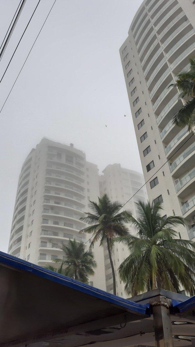 ಚಿತ್ರಗಳು: ಬೆಂಗಳೂರಲ್ಲಿ ಮಂಜುಕವಿದ ವಾತಾವರಣ