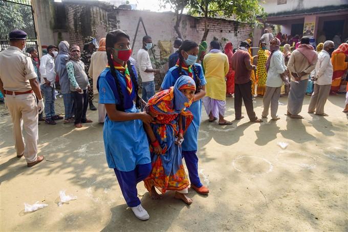 பீகார்: 94 தொகுதிகளில் 2-ம் கட்ட தேர்தல் வாக்குப் பதிவு