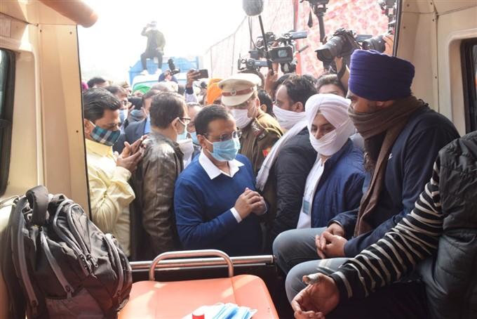 Delhi CM Arvind Kejriwal Meets Farmers Protesting Against Farm Bill In Delhi