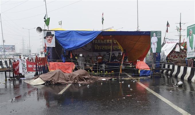 ಚಿತ್ರಗಳು: ಕೃಷಿ ಮಸೂದೆ ವಿರುದ್ಧ ದೆಹಲಿಯಲ್ಲಿ ಮುಂದುವರೆದ ಪ್ರತಿಭಟನೆ