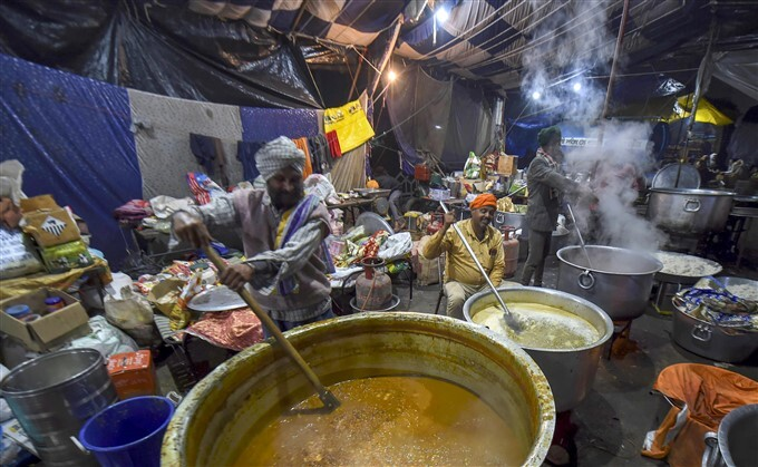 കേന്ദ്ര സർക്കാരിനെതിരായ സമരത്തിൽ നിന്ന് പിന്മാറാതെ കർഷകർ- ചിത്രങ്ങൾ