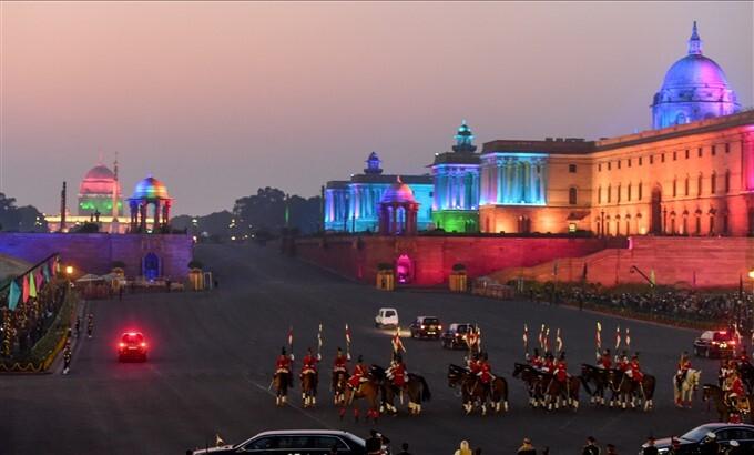 ಚಿತ್ರಗಳು : ನವದೆಹಲಿಯ ವಿಜಯ್ ಚೌಕ್ ನಲ್ಲಿ ಬೀಟಿಂಗ್ ರಿಟ್ರೀಟ್ ಕಾರ್ಯಕ್ರಮ