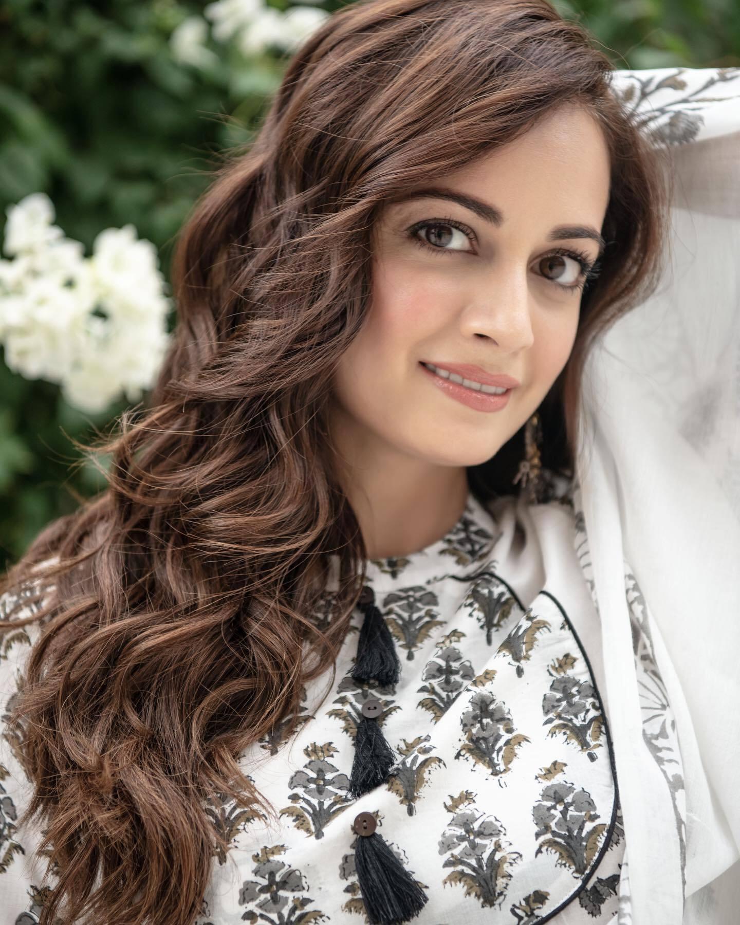 बहुत खूबसूरत हैं दीया मिर्जा, तस्वीरें दिल चुरा लेंगी
