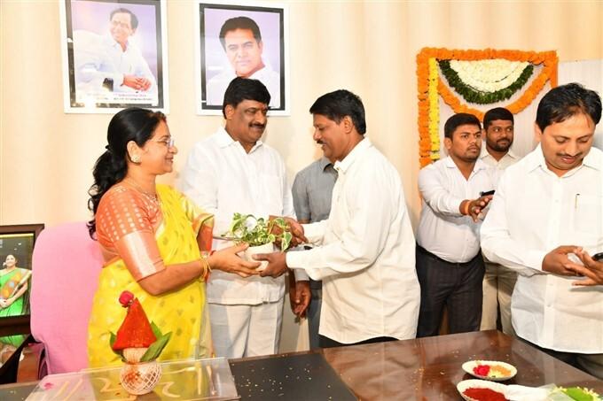 GHMC Mayor Gadwala Vijayalakshmi Assumes Office, Several Leaders Attend The Ceremony