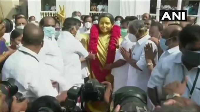 ಚಿತ್ರಗಳು: ತಮಿಳುನಾಡಿನ ಮಾಜಿ ಮುಖ್ಯಮಂತ್ರಿ ಜಯಲಲಿತಾ ಅವರ 73ನೇ ಜನ್ಮ ವಾರ್ಷಿಕೋತ್ಸವ