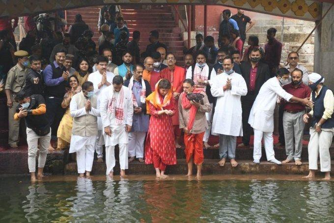 കോൺഗ്രസ് നേതാവ് പ്രിയങ്ക ഗാന്ധി ഗുവാഹത്തി കാമാഖ്യ ക്ഷേത്രം സന്ദർശിച്ചപ്പോൾ.. ചിത്രങ്ങൾ കാണാം