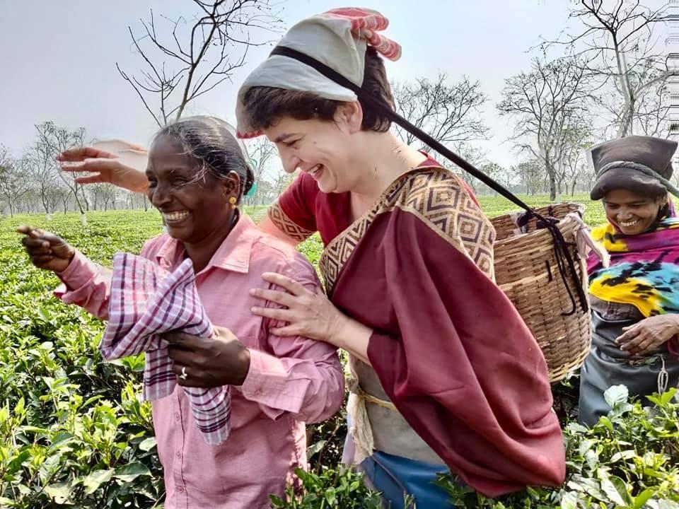 असम में दिखा प्रियंका गांधी का जुदा अंदाज, वायरल तस्वीरें