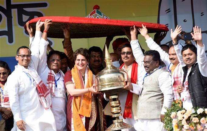 Congress Leader Priyanka Gandhi Vadra During Public Meeting In Tezpur