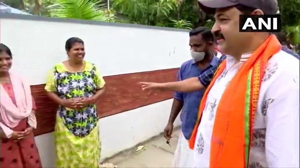 BJP Candidate Krishna Kumar Door To Door Campaigning In Thiruvananthapuram