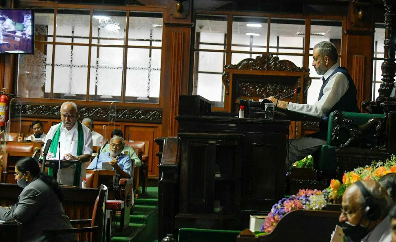 കര്ണാടക മുഖ്യമന്ത്രി ബിഎസ് യെഡിയൂരപ്പ ബജറ്റ് അവതരിപ്പിക്കുന്നു; ചിത്രങ്ങള് കാണാം