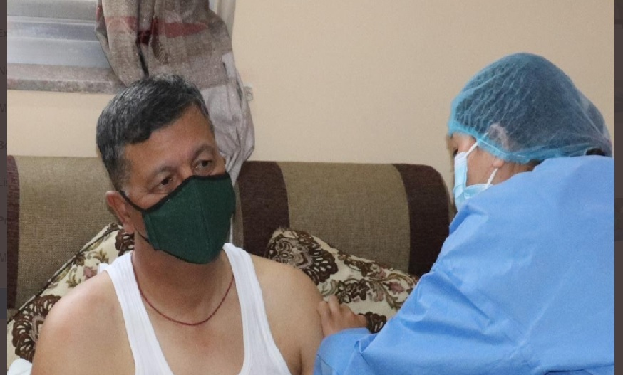 पीएम मोदी समेत इन बड़ी हस्तियों ने कोरोना का टीका लगवाकर दूर कर दिया संदेह