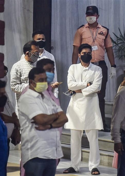 ఫోటోలు: నందిగ్రామ్లో  ప్రచారం సందర్భంగా గాయపడిన మమతా బెనర్జీ